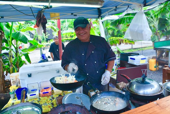 Ngatangiia, Cook Islands: The Seafood Man