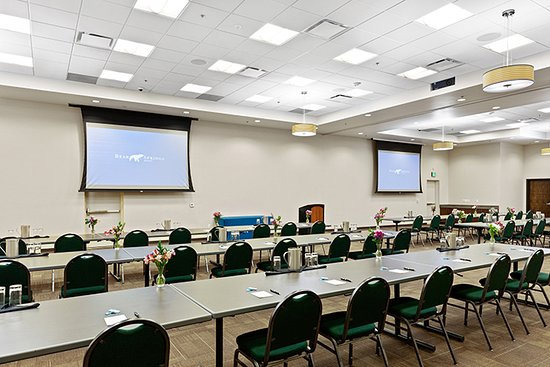 Bear Springs Hotel is well equipped to provide everything you require to ensure a successful meeting or special event, from current AV technology to delectable catering menus.