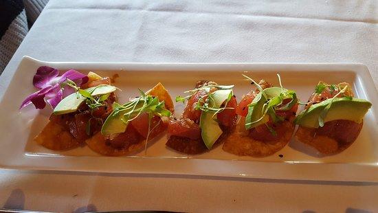 Roy's Restaurant: Big Eye Tuna Poke
