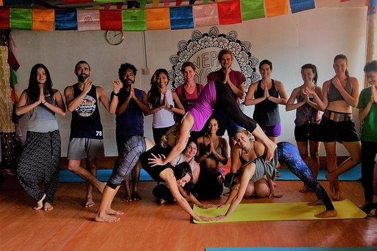 21 days Himalayan yoga retreat in...
