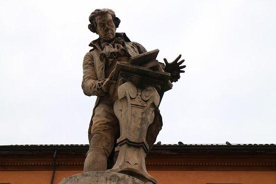 Monumento a Luigi Galvani