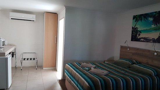 A & A Motel Proserpine Photo