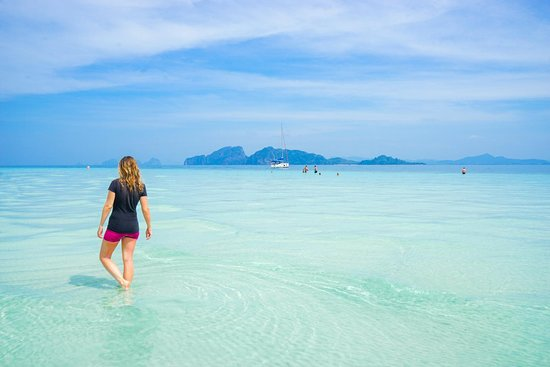 Ko Kradan, Thái Lan: Currently writing about Koh Kradan, in Thailand. It's home to one of the best beaches in the country, and I highly recommend visiting!