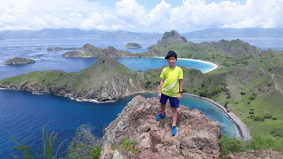 Amazing komodo tour in 1day by speed boat. You will going to explore padar island,komodo island,pink beach,takat makasar.see more