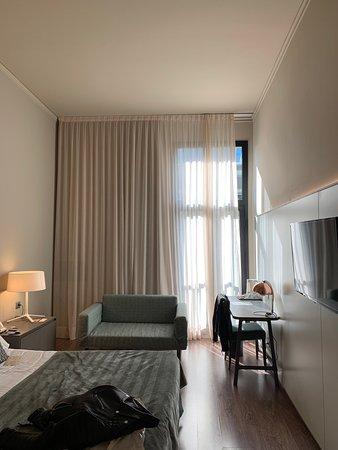 Good Hotel / Small Drawbacks