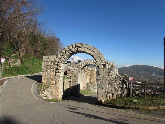 Porta Casamari