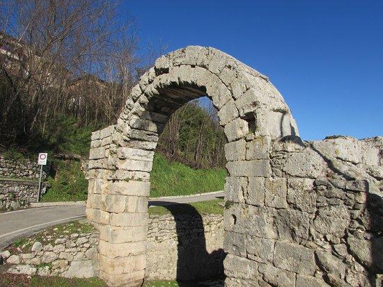 Ferentino, Italië: Porta Casamari