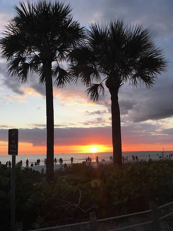 Times Square (Fort Myers Beach) - Aktuelle 2019 - Lohnt es ...
