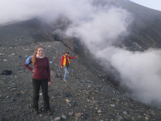 Bitung, Indonesien: Guidejotje lala guided photographer from germany up to lokon volcano. whatshap +6289515507588