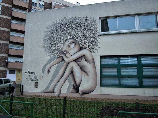 Fresque Femme a la Fleur