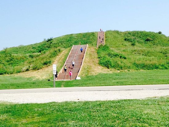 ‪Cahokia Mounds State Historic Site‬