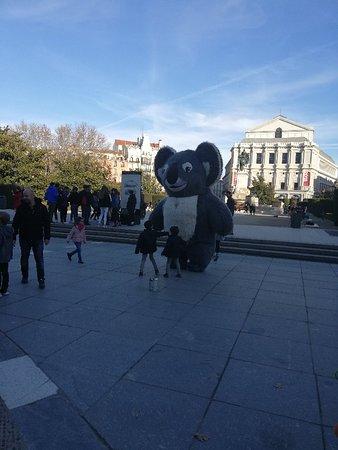 Foto Majestic Madrid Walking Tour