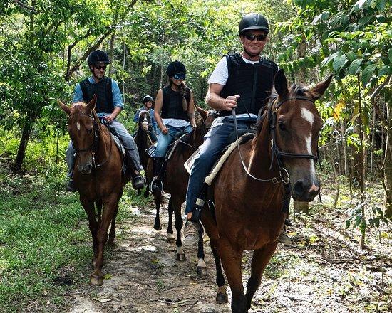Kuranda (เมืองคูรันดา), ออสเตรเลีย: Hold onto your hats - it's time to ride!