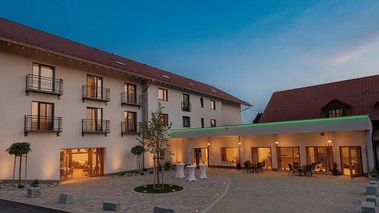 Eching, Germany: Gasthaus Hotel Forster am See - Eingangsbereich