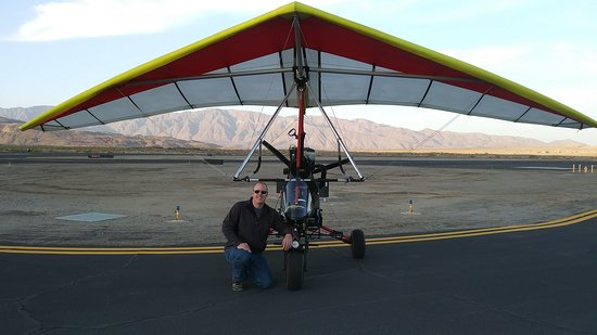 Ramona, Kalifornie: Our aircraft. A one passenger powered hang glider. The most fun and easy aircraft to fly!
