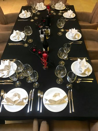 served table for 10 persons
