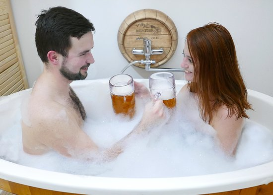 Tatranska Lomnica, สโลวะเกีย: Konzumáciou živého piva pohladíme chuťové poháriky nie len pivným milovníkom.