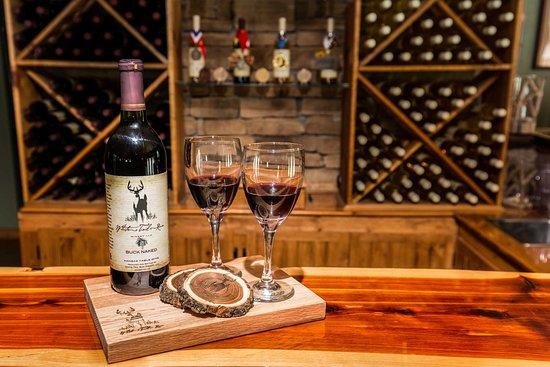 White Tail Run Winery & Vineyard