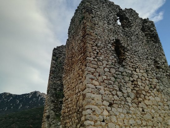 Ipsilantis, יוון: Afternoon walk to Ypsilantis Tower at Boeotia