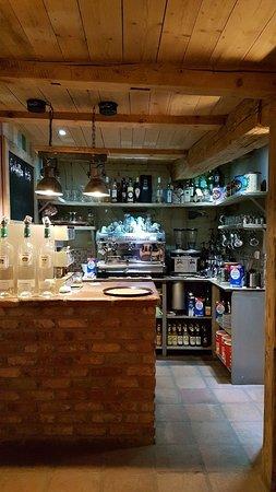 Wunderschönes Cafe in Seitenstraße