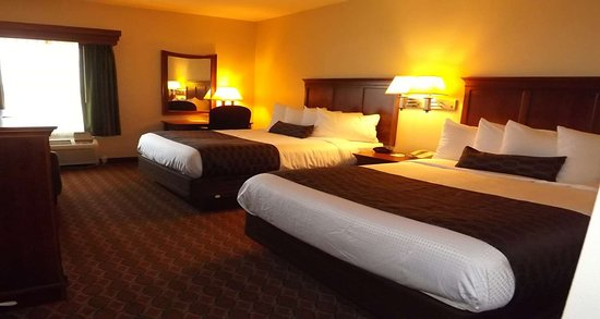 Mascoutah, IL: Two Queen Beds