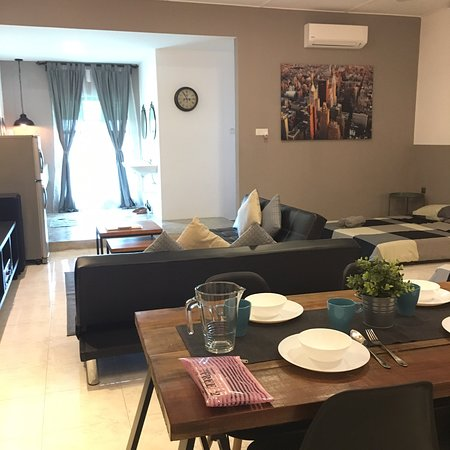 Pantai Remis, มาเลเซีย: Outer look of Family Tree and the studio alike unit of one of the Family Tree units. There are 2 units above the shop lot, the layout is like studio apartment style. The owner take care it well and the place is very cozy and comfortable. Definitely a good stay.
