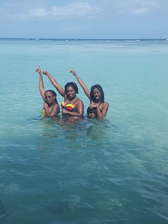 Saint James Parish, Jamaica: Island girls tour guides