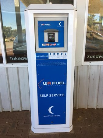 Muchea, Austrália: 24 hour fuel is so convenient 