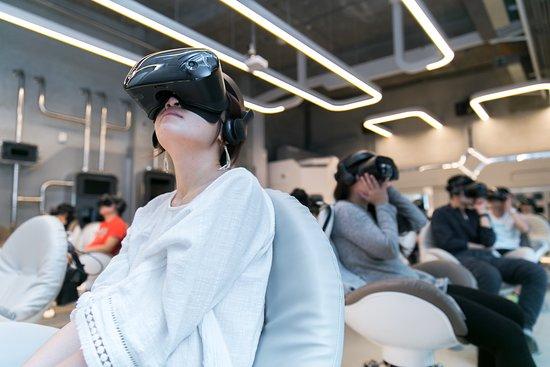 台灣鹽埕: The first Experimental VR THEATER in Taiwan 全台第一間VR電影院,就在駁二VR體感劇院