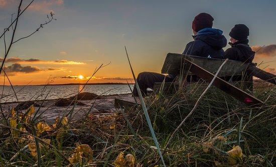 Faaborg-MidtFunen Municipality, Danmark: Hygge ved øhavet. En bænk på Avernakø.