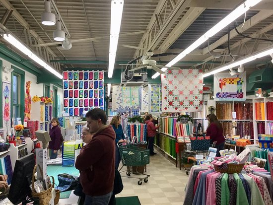 ‪Colchester Mill Fabrics & Quilting‬