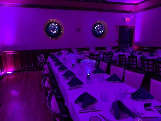 Scarsdale, Νέα Υόρκη: Set up for sweet 16 party in private room