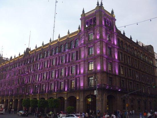 Edificio De Gobierno De La Ciudad De Mexico