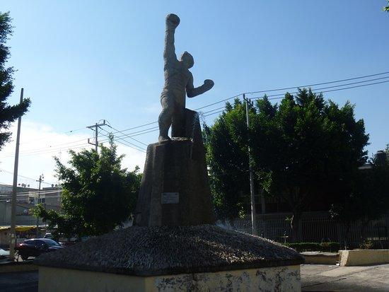 Monumento Al Boxeador