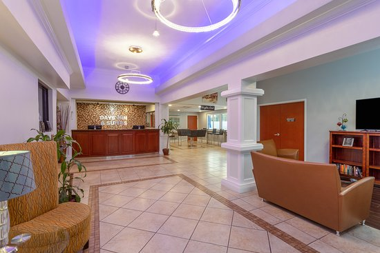Days Inn & Suites by Wyndham Lakeland