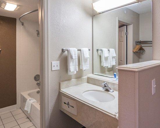toenails on the floor picture of rodeway inn suites shreveport rh tripadvisor com