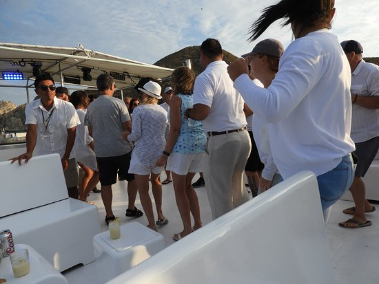 Cabo Wave: Dancing on the boat