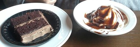 Bartlett, TN: Chocolate cake, ice cream