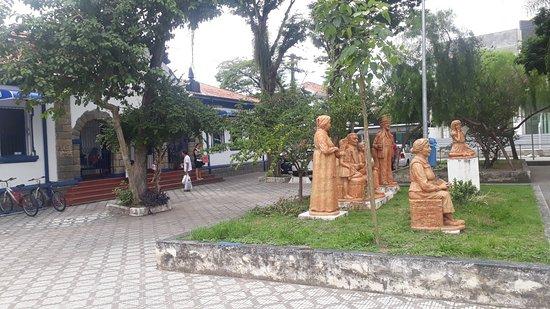 Taubate, SP : Praça oito de Maio em Taubaté