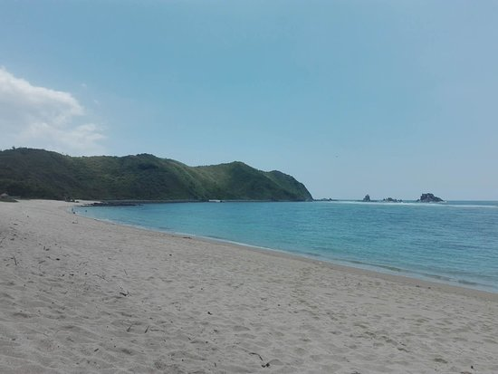 Areguling Beach
