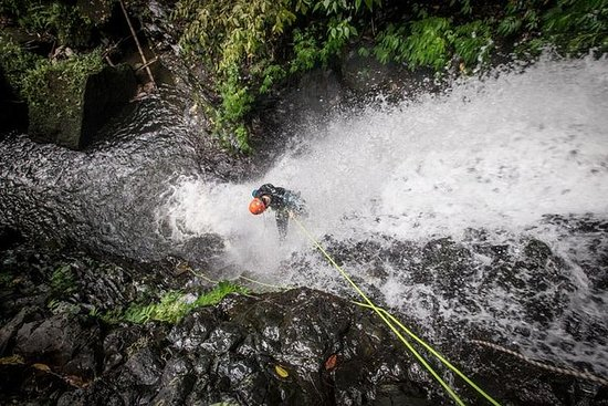 High Vertical Canyoning Trip: Anahata...
