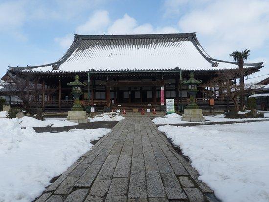 Daitsuji Temple: 大通寺本堂雪景色
