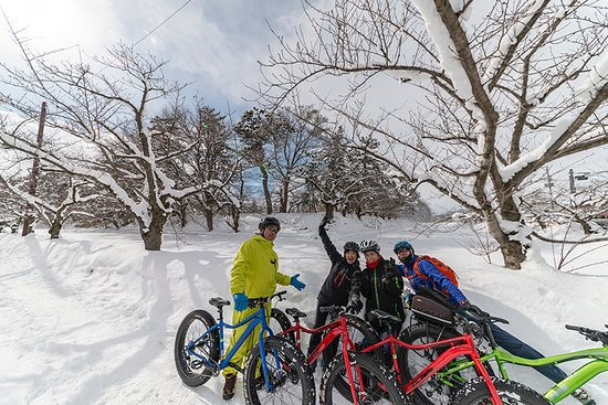 Hirosaki Old Town Snow Cycling