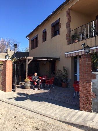 Sant Miquel de Fluvia, Spanyolország: Lovely terras