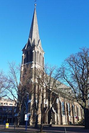 Meerbusch, ألمانيا: Kath. Kirchengemeinde St. Mauritius und Heilig Geist