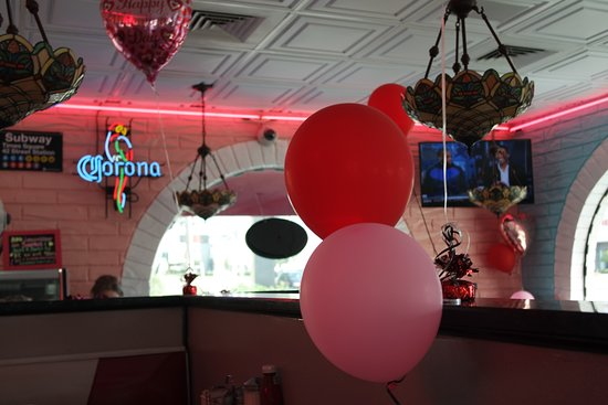 Joe's New York Diner: cute decorations for VDay