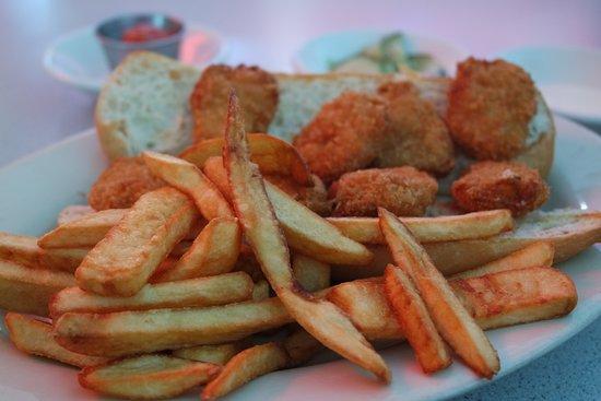 Joe's New York Diner: My sandwich SO plain and oily