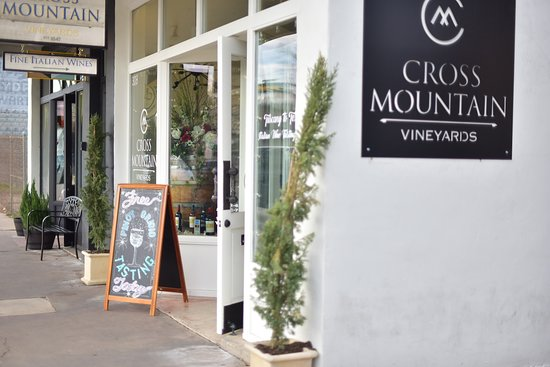 Cross Mountain Vineyards