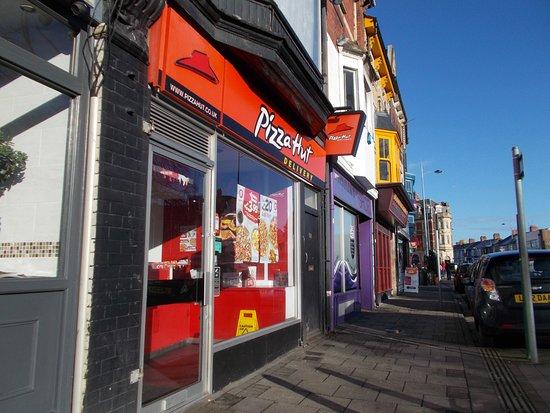 Pizza Hut Newport 18 Cardiff Rd Restaurant Reviews
