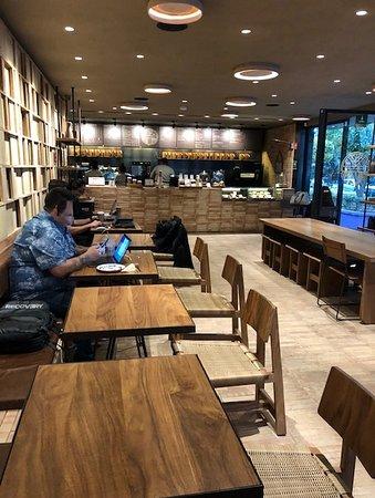 Vista del interior de la cafetería